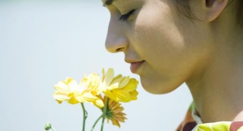 0-270940992-smellingflower