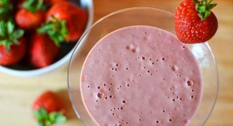 0-481742540-strawberry-shortcake-smoothie