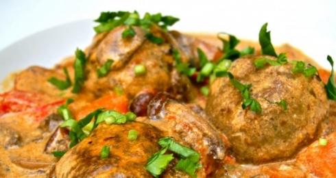 0-110932712-dumplings-mushroom-sauce