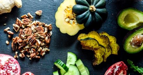 0-408945277-autumn-arugula-salad