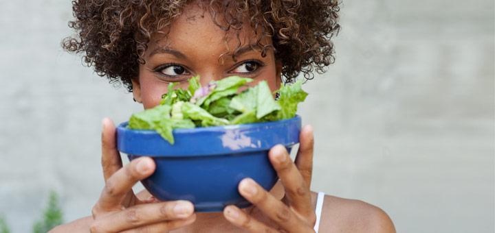 black-woman-salad