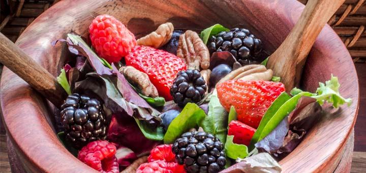 spring-berry-salad