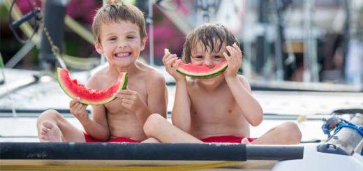 kids-eating-watermelon