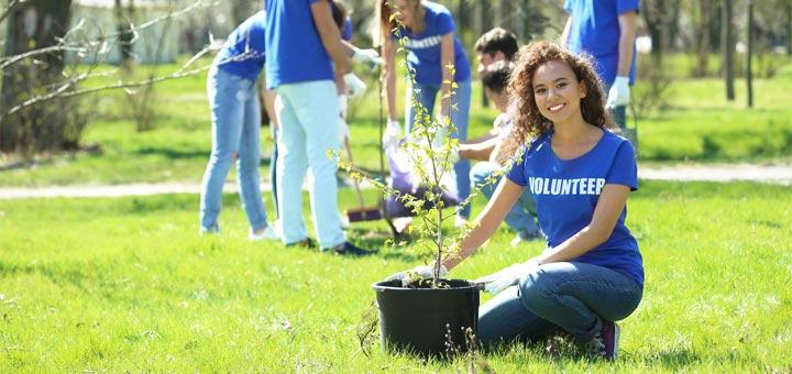 eco-friendly-volunteer