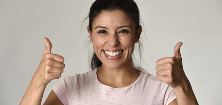 hispanic-woman-smile